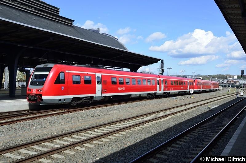 612 676/612 176 und ein weiterer 612 als Regionalexpress in Gera Hbf.