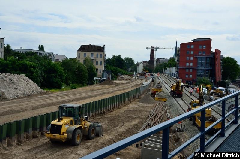 Blick von der Brücke der Strecke Erkner - Ostkreuz auf die Strecke von und nach Lichtenberg.