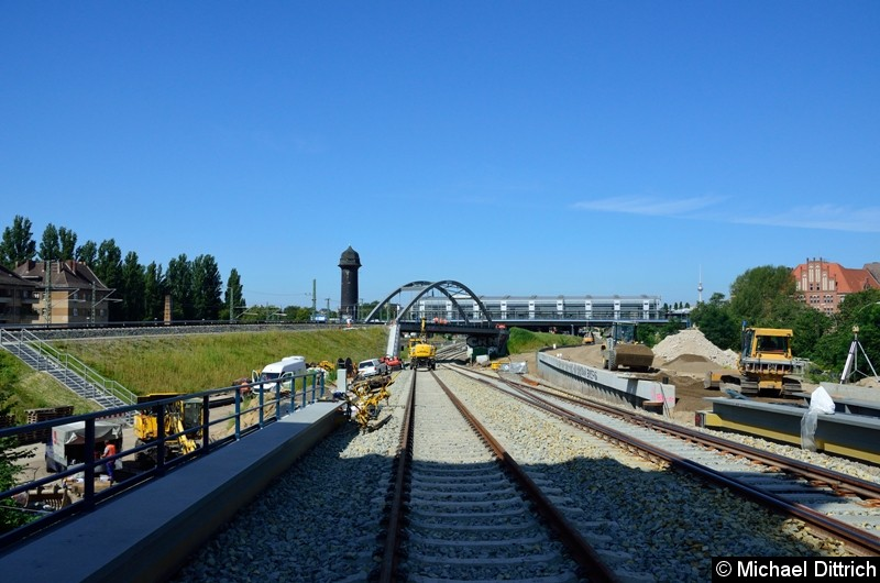 Noch einmal ein Blick in Richtung Ostkreuz. Die rechts im Bild befindliche Weiche geht erst zu einem späteren Zeitpunkt in Betrieb.