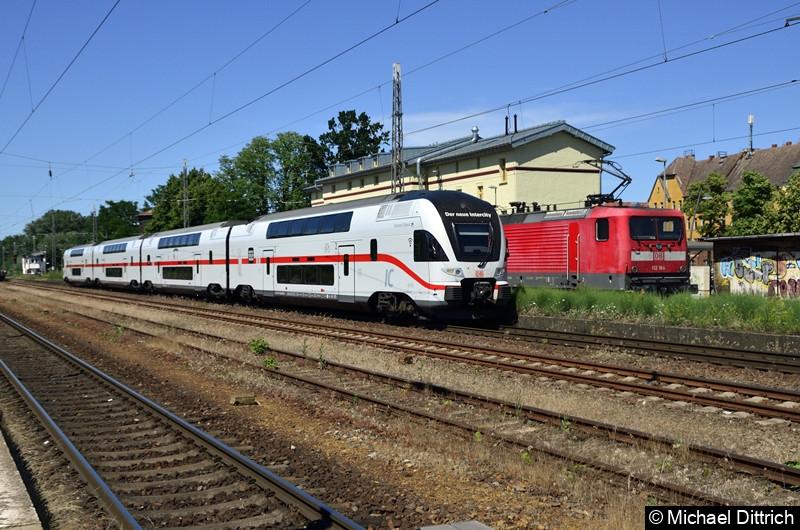 Der neue Intercity und ein RE 7 in Zossen. Links der KISS 4110 114 und rechts 112 184 mit ihrem RE7 der dort wendete.