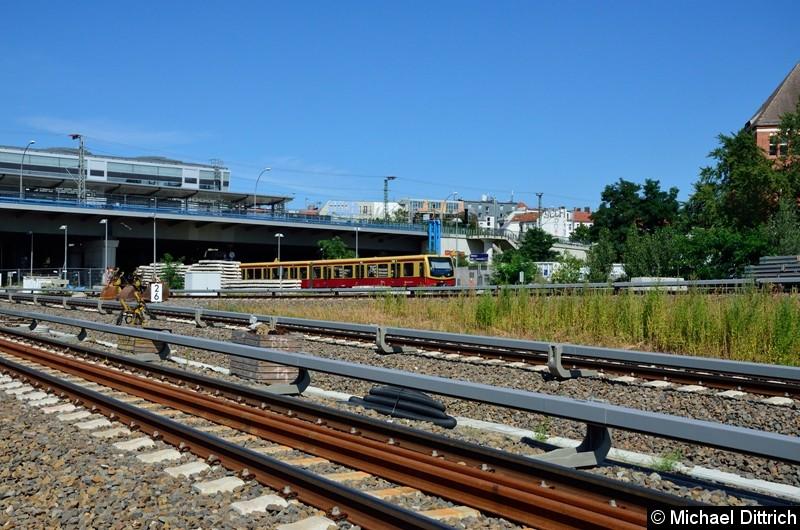 Der Pendelzug ist der letzte S-Bahnzug der am zukünftigen Regionalbahnsteig hält. Ab 21. August 2017 ist dieses Kapitel dann auch beendet. Ab Dezember 2018 halten dann dort die Regionalbahnen aus Lichtenberg.