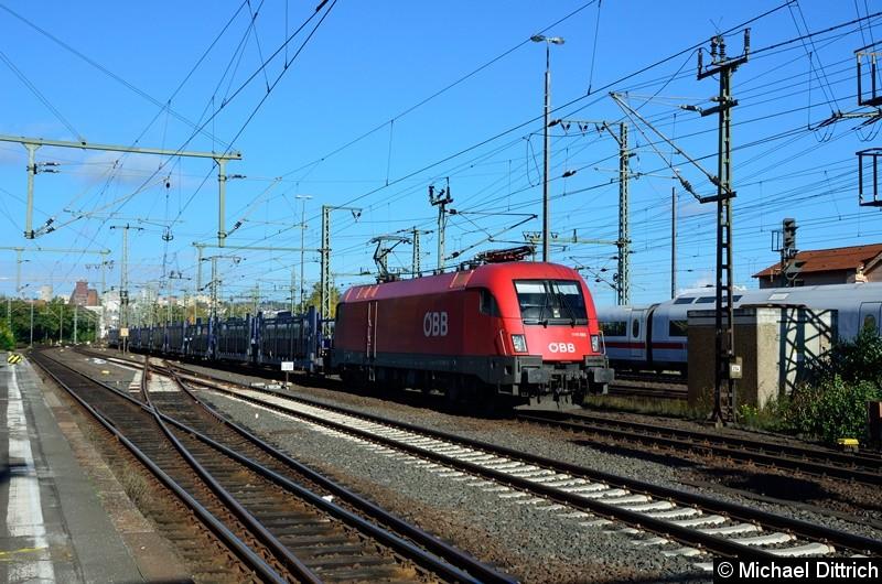 1116 080 mit einem Güterzug bei der Durchfahrt in Fulda.