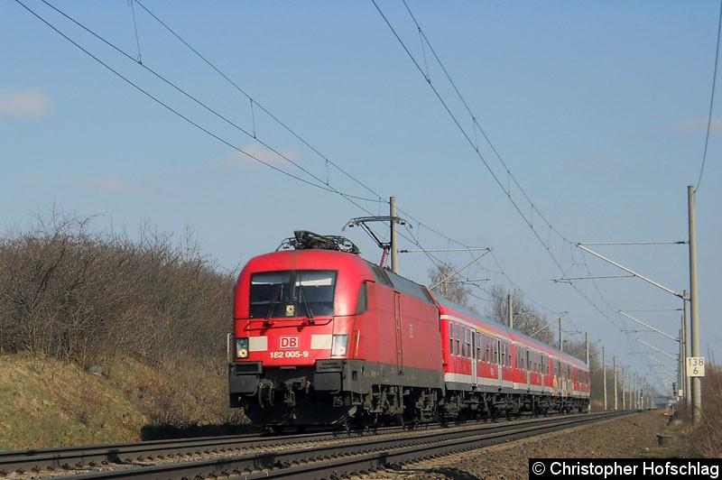 Bild: 182 005 mit einer RB in Gotha Sundhausen auf der Strecke Gotha - Eisenach.