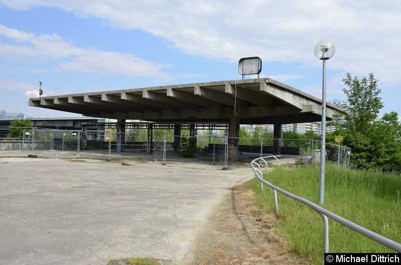 Der ehemalige Eingang zum Bahnhof Olympiastadion.