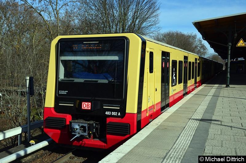 483 003 + 484 002 als Linie S3 im Bahnhof Friedrichshagen.