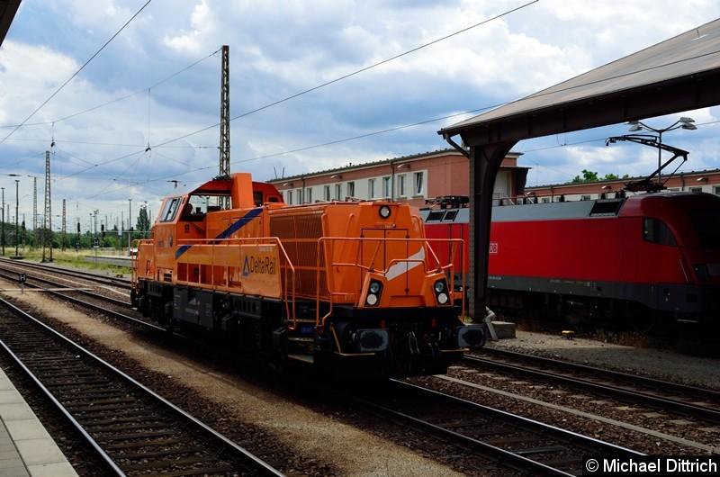 265 302 durchfährt hier den Bahnhof Frankfurt (Oder).
