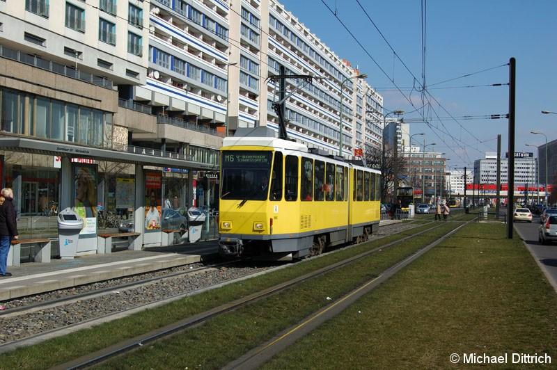 Bild: 6077 als Linie M6 an der Haltestelle Spandauer Straße/Marienkirche.