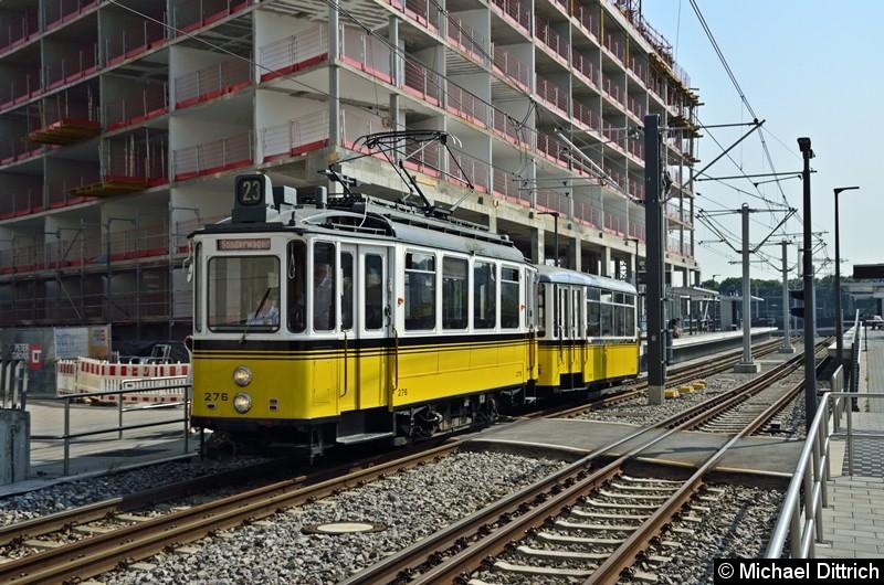 Einen Tag später, am 26. August 2019, kam zufällig der Zug am Budapester Platz vorbei. Da die Meterspurgleise keine Wendeschleifen haben, kann er nur nach Ruhbank fahren.