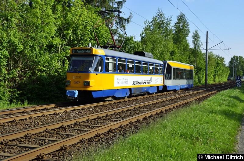 2107 + 906 als Linie 8 zwischen den Haltestellen Strabf. Paunsdorf und Am Vorwerk.