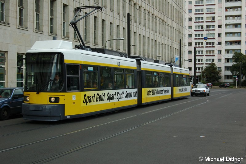 Bild: 1003 als Linie M5 in der Wadzeckstraße.