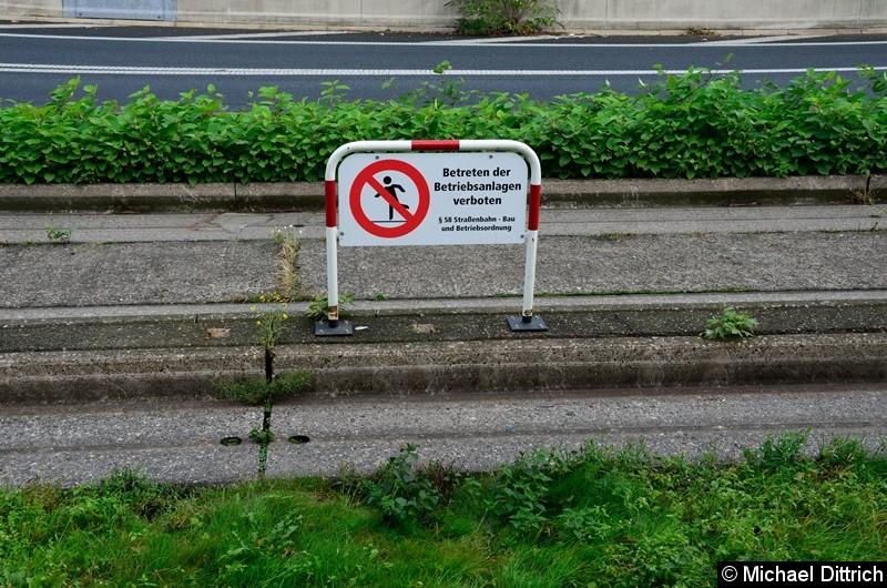 Das Betreten der Spurbusstrecke ist verboten.