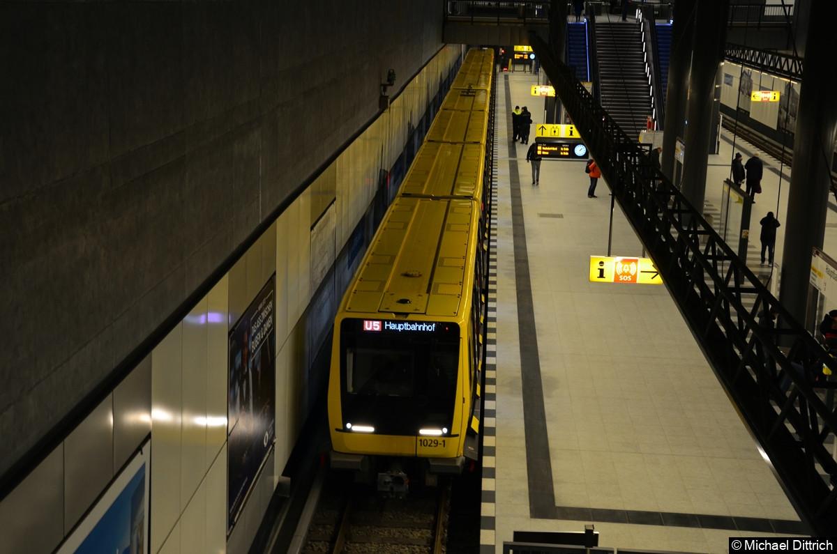Eröffnung der U5 zu Hauptbahnhof. IK 1029 nach Hauptbahnhof.