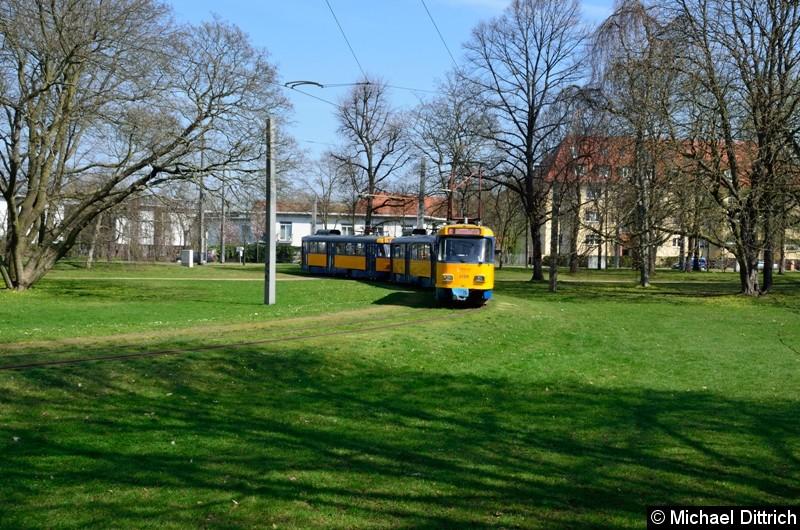 Völlig überraschend kam der 2128+2186+2062 als Dienstfahrt durch den Park in der Naunhofer Str.