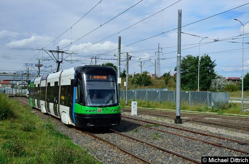 Wagen 818 als Linie 2 kurz vor der Haltestelle Turkosowa.