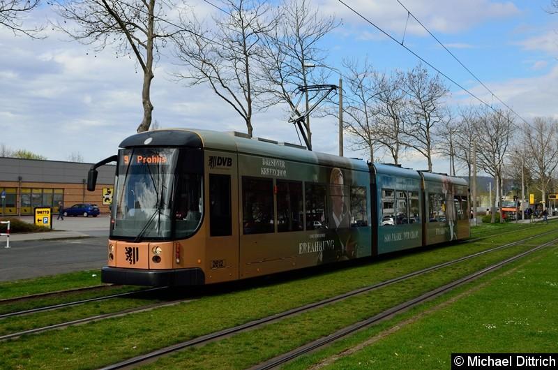 Bild: 2612 als Linie 9 zwischen den Haltestellen Albert-Wolf-Platz und Jacob-Winter-Platz.