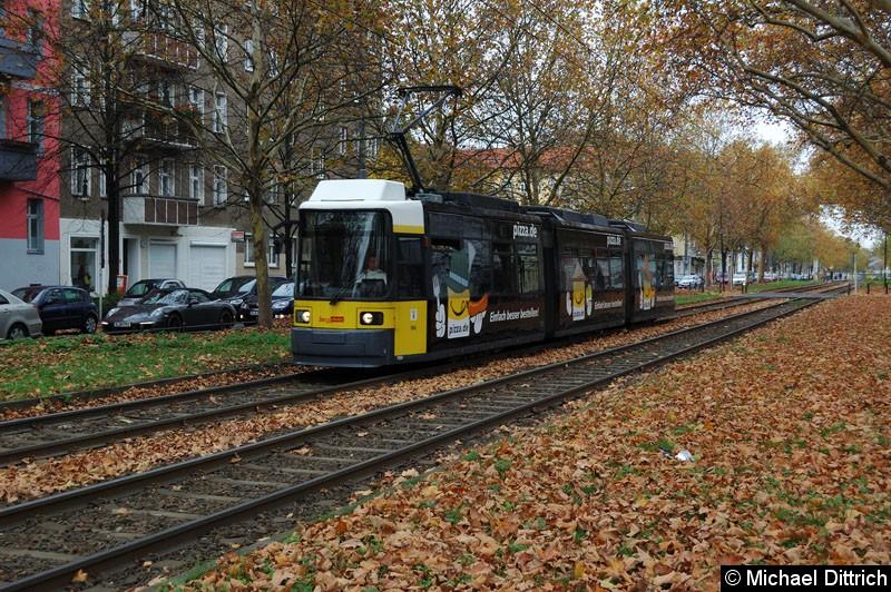 Bild: 1004 als Linie M1 zwischen den Haltestellen Masurenstr. und U Vinetastr.