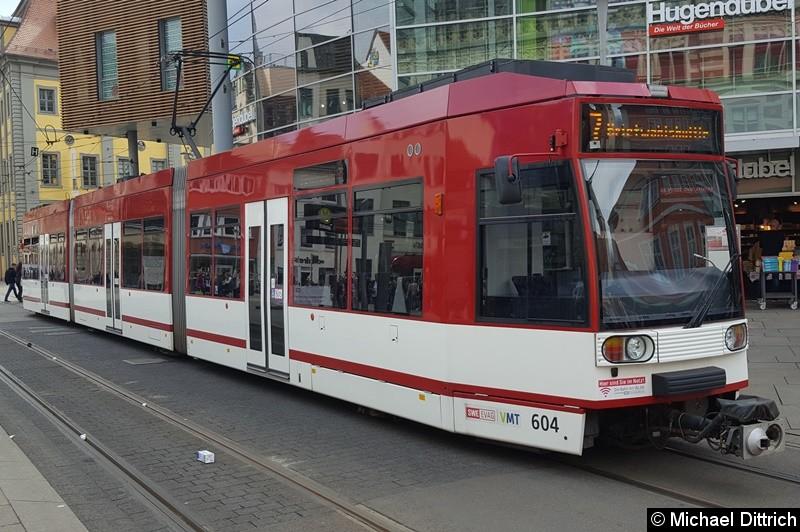 Wegen der Sperrung Marktstraße werden die Straßenbahnen derzeit um die Innenstadt umgeleitet.  Wegen der Wahl des Oberbürgermeisters, hat die EVAG einen Shuttle zum Rathaus von Anger aus eingerichtet. Hier der Wagen 604 am letzten Einsatztag der Linie an der Haltestelle Anger.