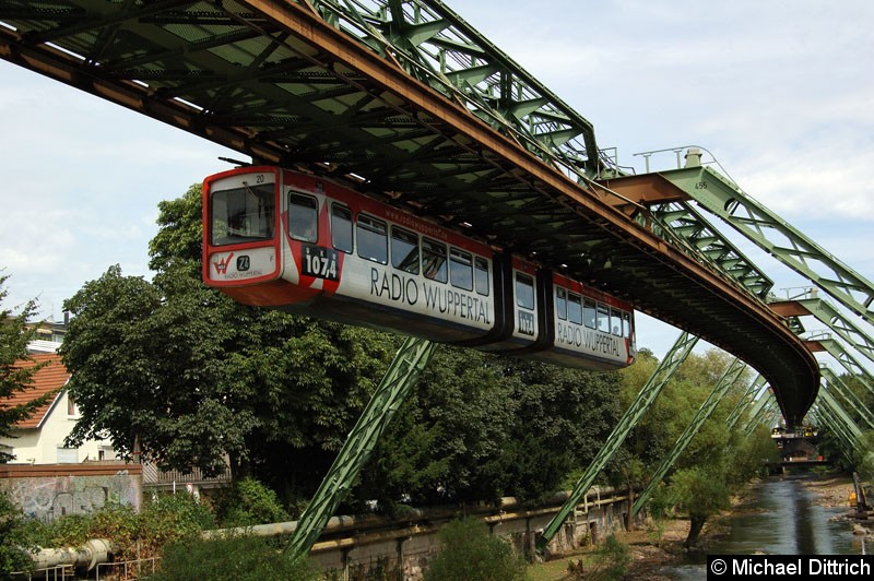 Bild: Wagen 20 mit Vollwerbung für Radio Wuppertal.