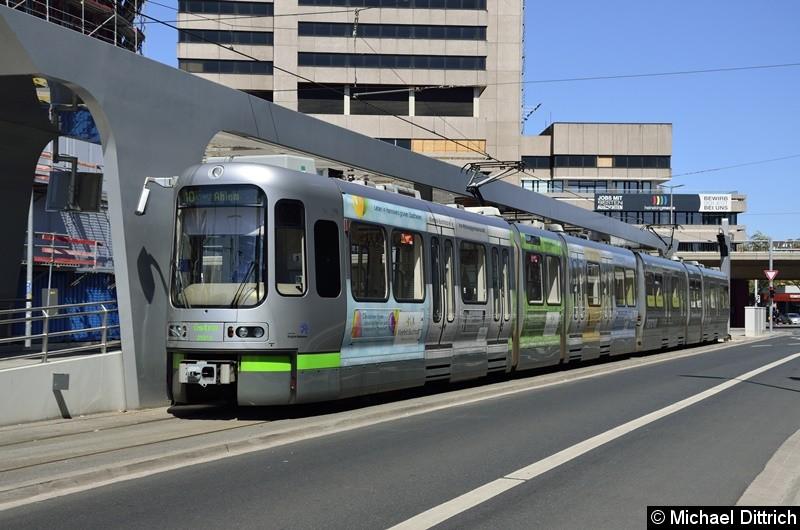 Bild: 2591 als Linie 10 an der neuen Endstelle Hauptbahnhof/ZOB.