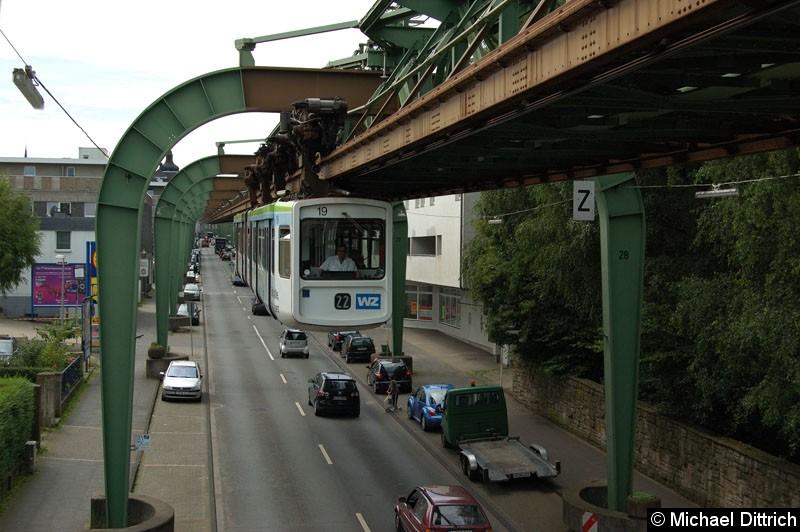 Bild: Wagen 19 erreicht in Kürze die Haltestelle Bruch.