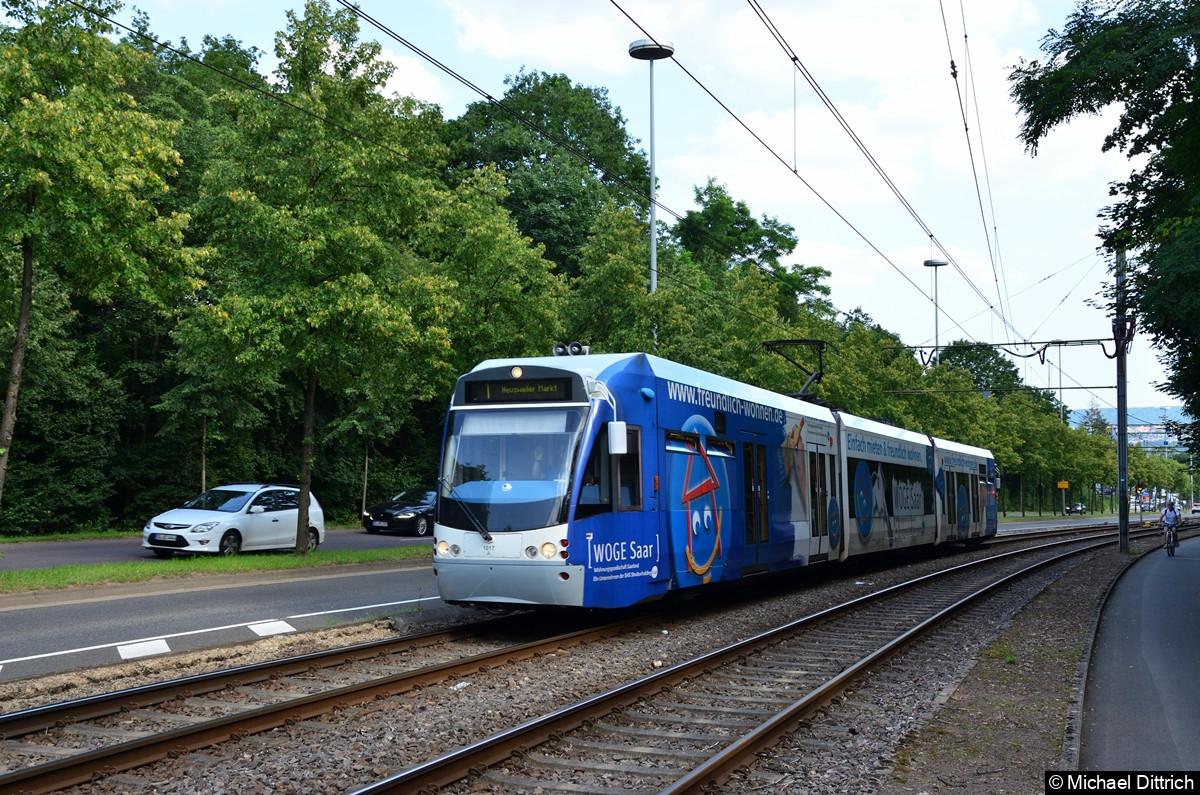 1017 auf dem Weg nach Heusweiler Markt zwischen den Haltestellen Siedlerheim und Heinrichshaus.