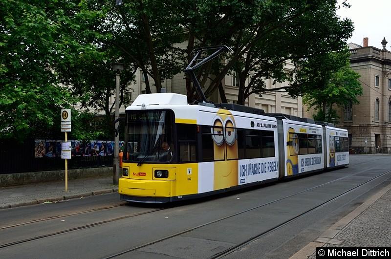 Bild: 1004 als Linie M1 an der Haltestelle Am Kupfergraben.