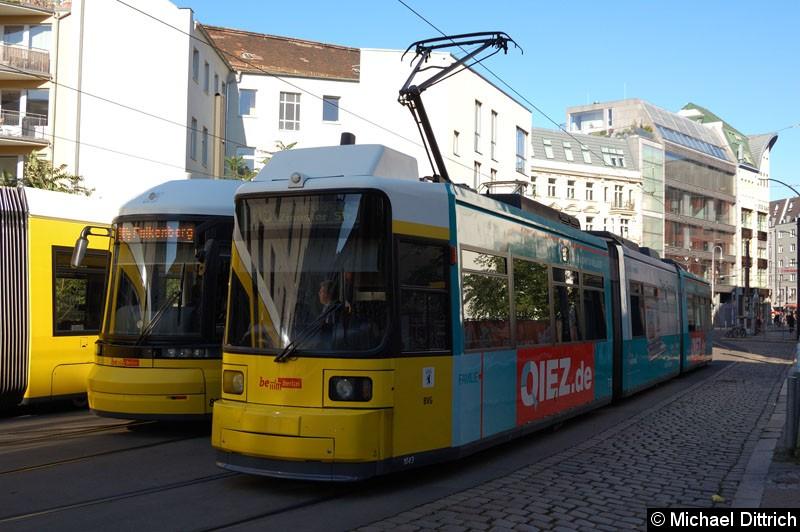 Bild: 1043 als Linie M5 in der Großen Präsidentenstr.