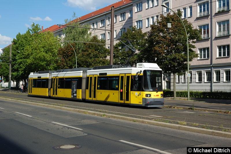 Bild: 2009 als Linie M8 in der Wendestelle Kniprodestr./Danziger Str.