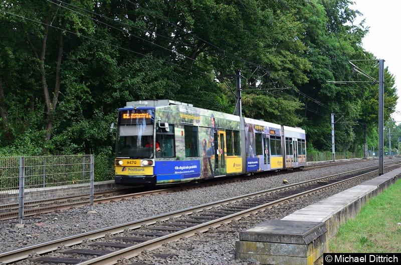 9470 als Linie 62 bei der Ankunft an der Haltestelle Oberkassel Süd/Römlinghoven, wo er seine neue Fahrt beginnt.