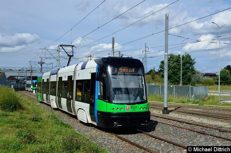 Wagen 824 als Linie 2 kurz vor der Haltestelle Turkosowa.