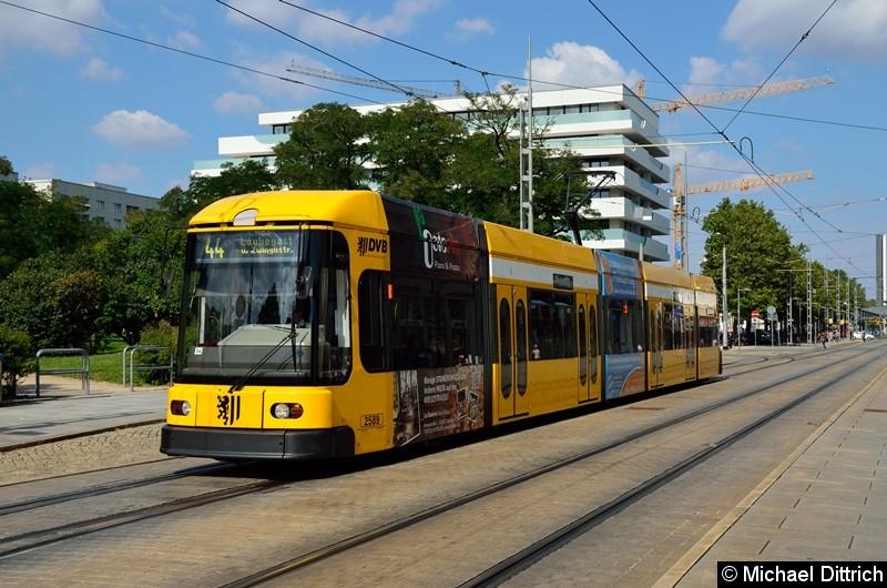 2589 als Linie 44 in Höhe der Haltestelle Webergasse.