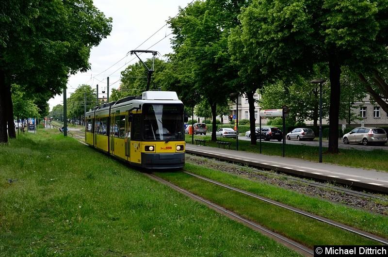Bild: 2006 als Linie M2 zwischen den Haltestellen Stahlheimer Str./Wisbyer Str. und Prenzlauer Allee/Ostseestr.