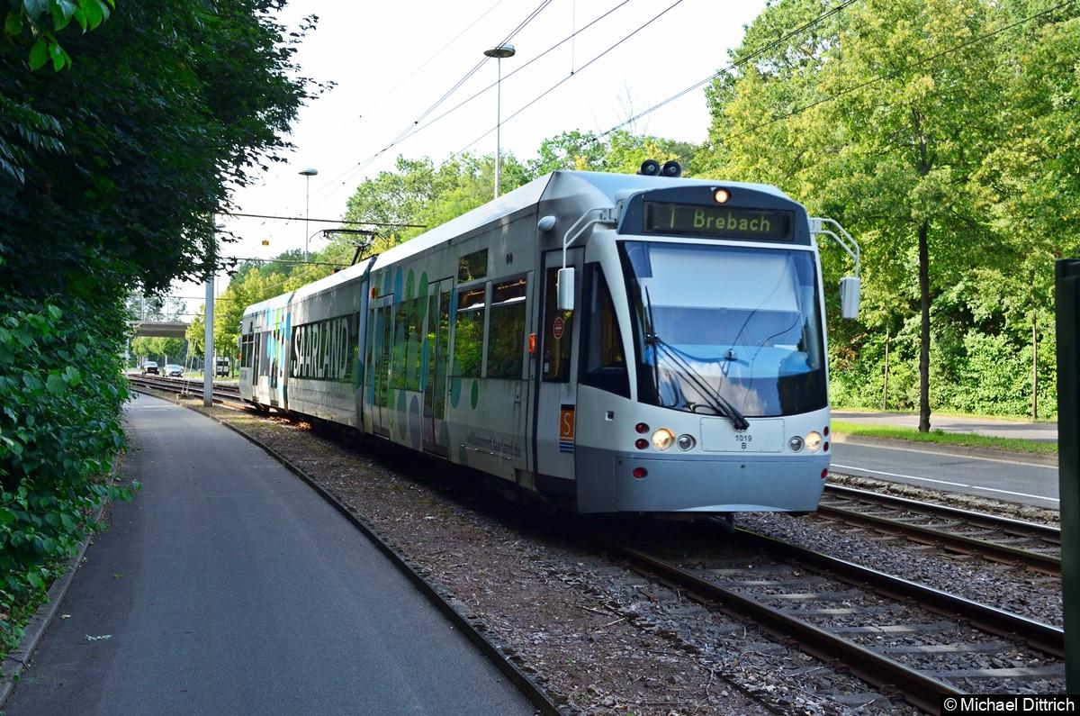 1019 auf dem Weg nach Brebach zwischen den Haltestellen Heinrichshaus und Siedlerheim.