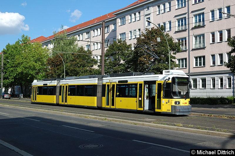 Bild: 2003 als Linie M8 in der Wendestelle Kniprodestr./Danziger Str.