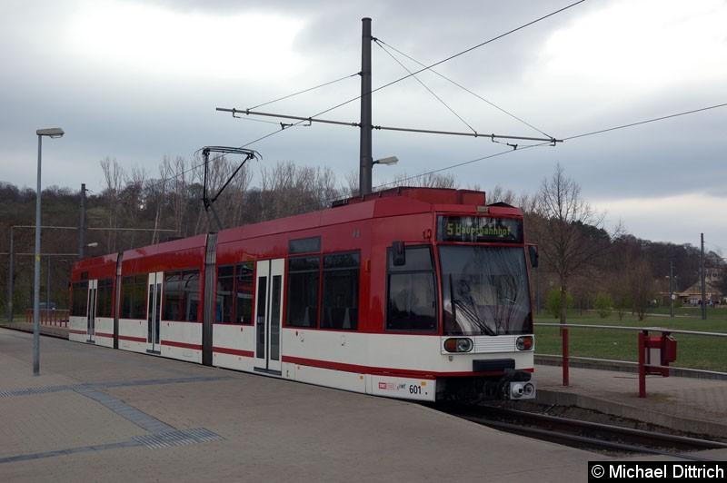 Bild: MGT6D/E 601 als Linie 5 an der Endstelle Zoopark.