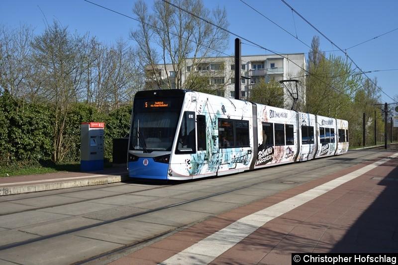 610 als Linie 5 an der Haltestelle Rügener Straße.