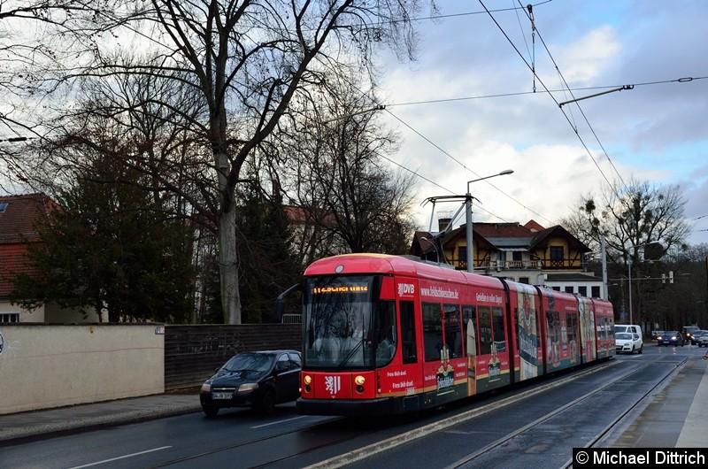 2806 als Linie 11 an der Haltestelle Angelikastraße.