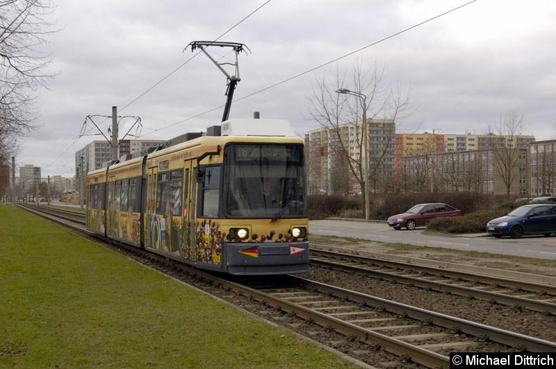 Bild: 1056 als Linie 18 kurz vor der Haltestelle Zossener Straße/Kastanienallee.