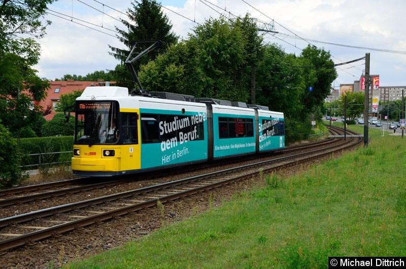 Bild: 1507 als Linie M6 kurz vor der Haltestelle Landsberger Allee/Rhinstr.