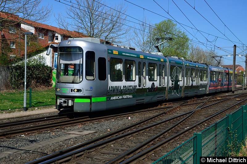 Bild: 2555 + 2562 als Linie 7 in Wettbergen.