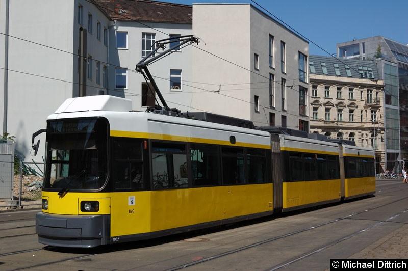 Bild: 1002 als Linie M6 in der Großen Präsidentenstraße.
