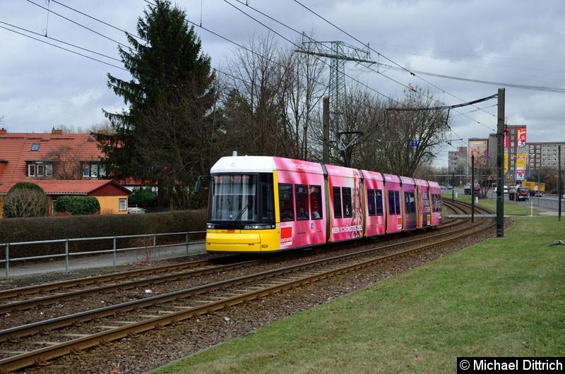 Bild: 8026 als Linie M6 zwischen den Haltestellen Dingelstädter Str. und Landsberger Allee/Rhinstr.