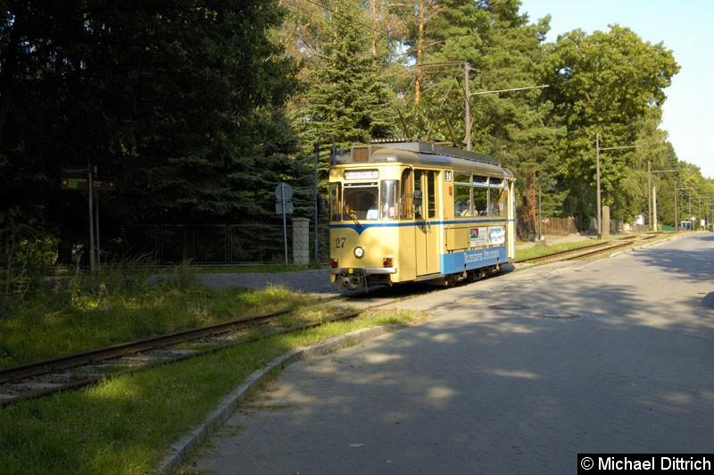 Bild: Wagen 27 hat gerade die Haltestelle Goethestraße verlassen.