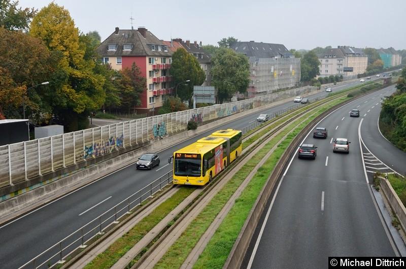 Bus 4657 als Linie 147 zwischen den Haltestellen Oberschlesienstraße und Wasserturm.