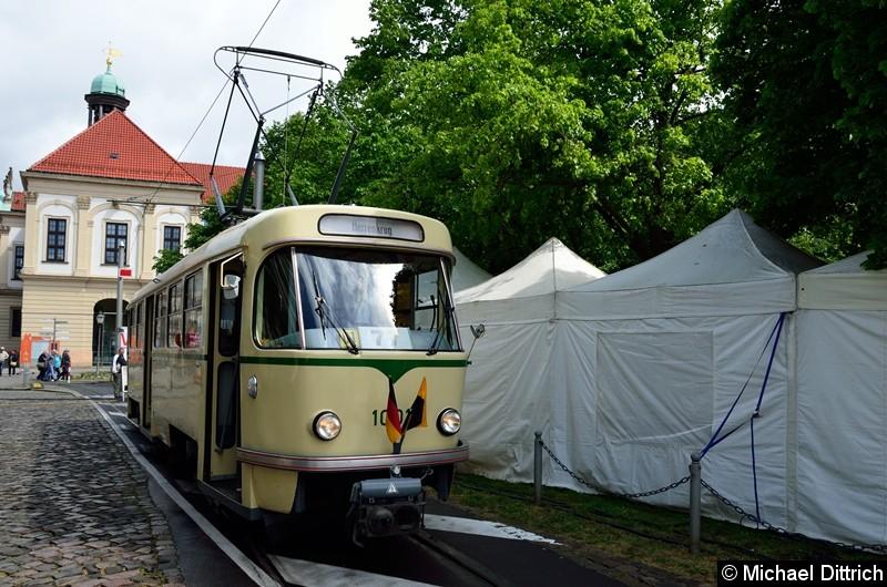 Bild: Wagen 1001 steht als Linie 77 in der Endstelle Hartstr.