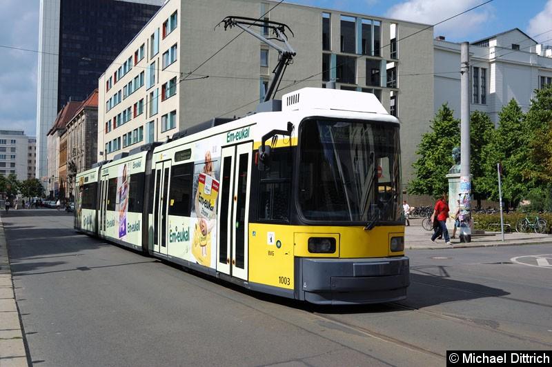Bild: 1003 als Linie 12 an der Haltestelle Am Kupfergraben.