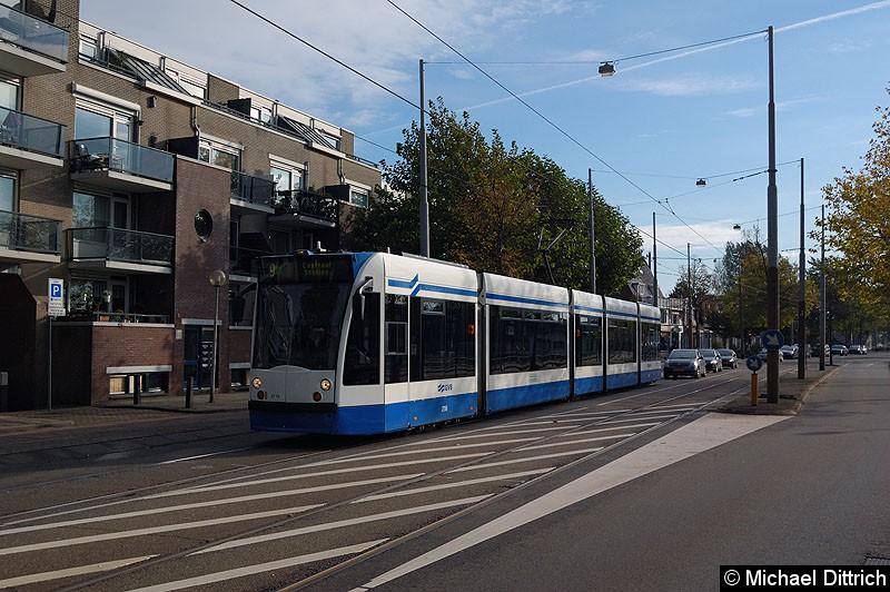 Bild: Combino 2116 als Linie 9 bei der Abfahrt aus der Haltestelle Nicolaas Lublinstraat.