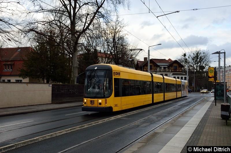 2829 als Linie 11 an der Haltestelle Angelikastraße.