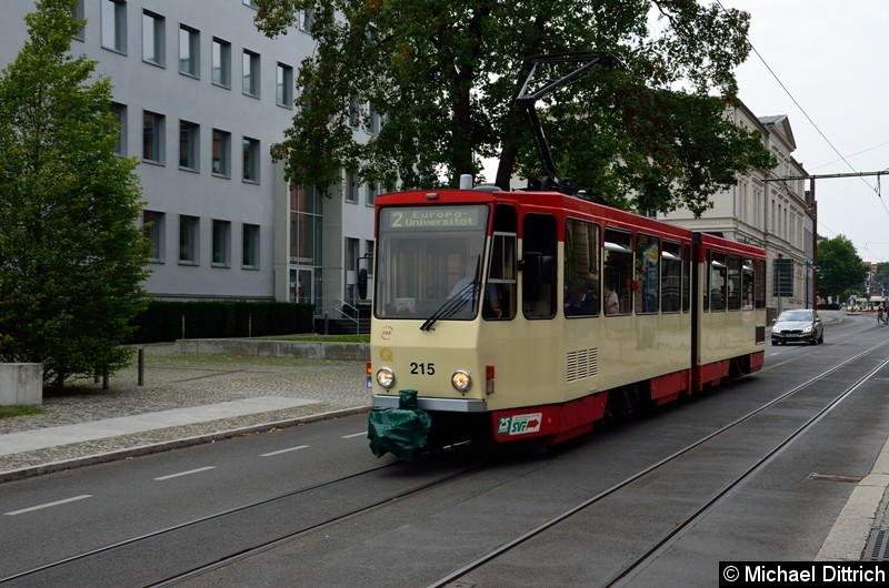 Wagen 215 als Linie 2 in der Logenstr. auf dem Weg zur Europa-Universität.