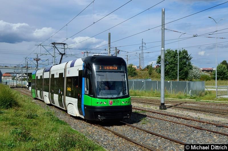 Wagen 810 als Linie 8 kurz vor der Haltestelle Turkosowa.